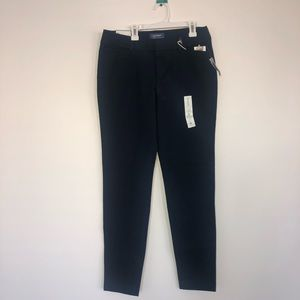 NWT Old Navy Pixie Pant in Navy size 8